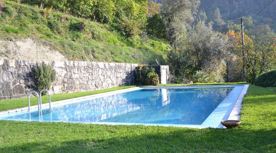 Casa com piscina T2 no Gerês