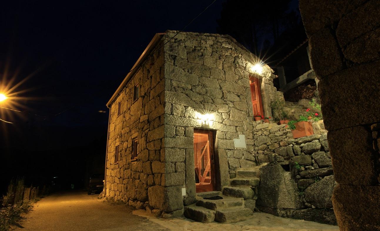 Casa T2 com piscina na Serra da Peneda