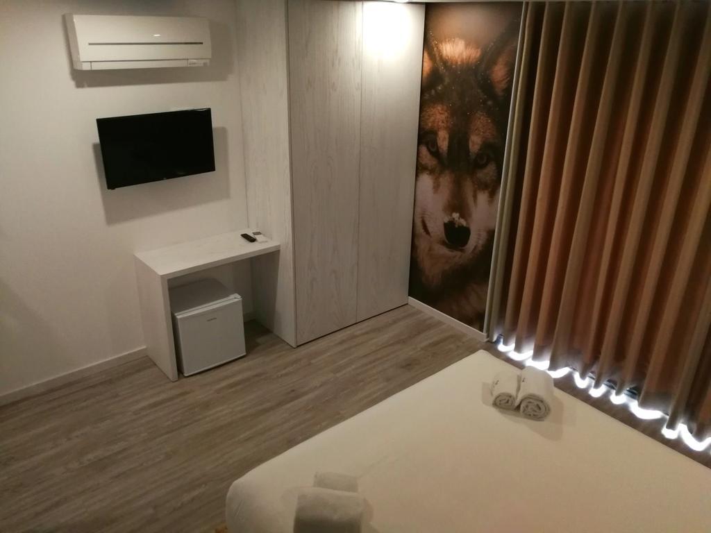 Wolf Room