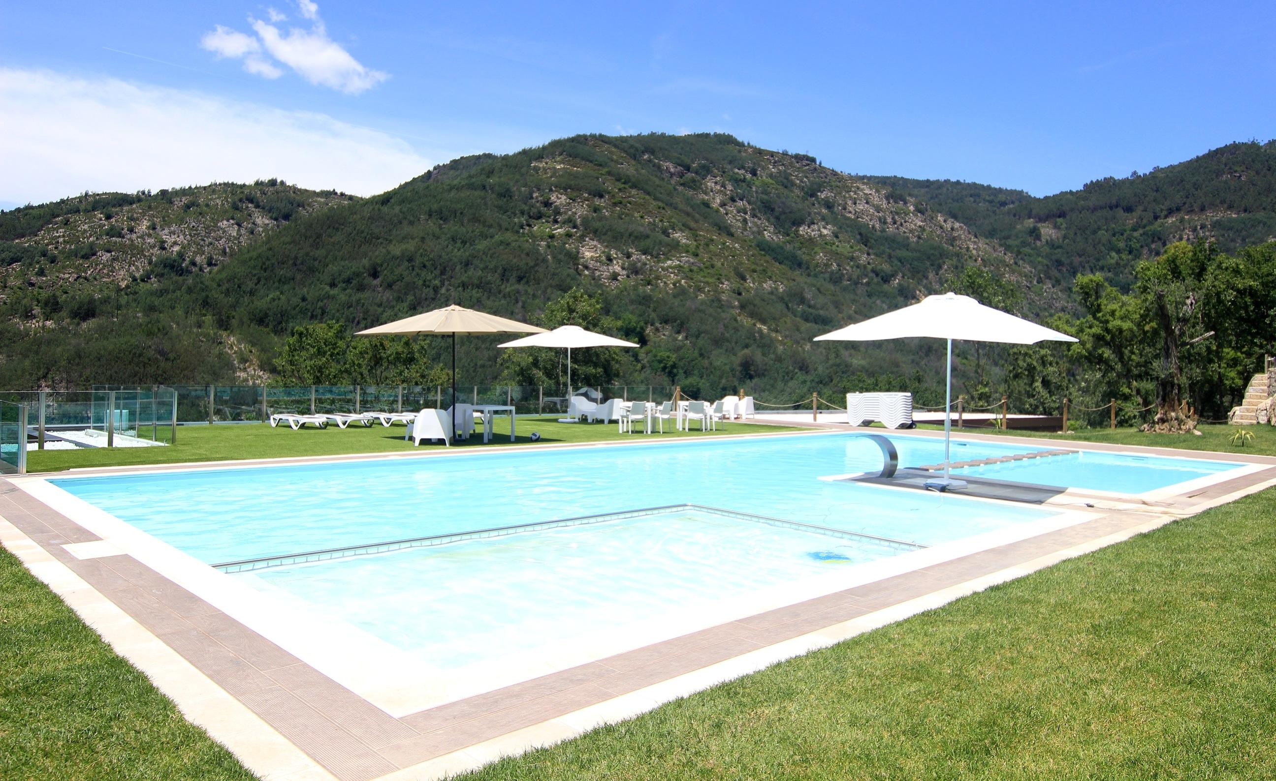 Estúdio T0 com piscina