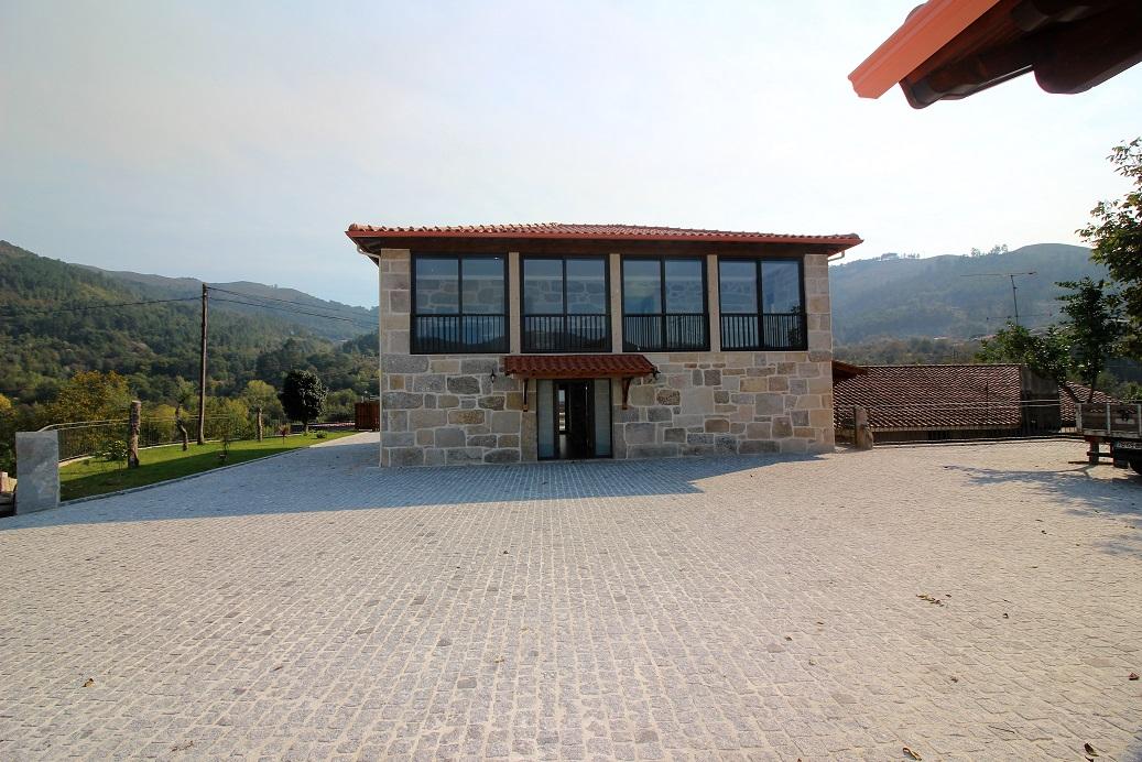 Casa T3 com Piscina Privada em Terras de Bouro