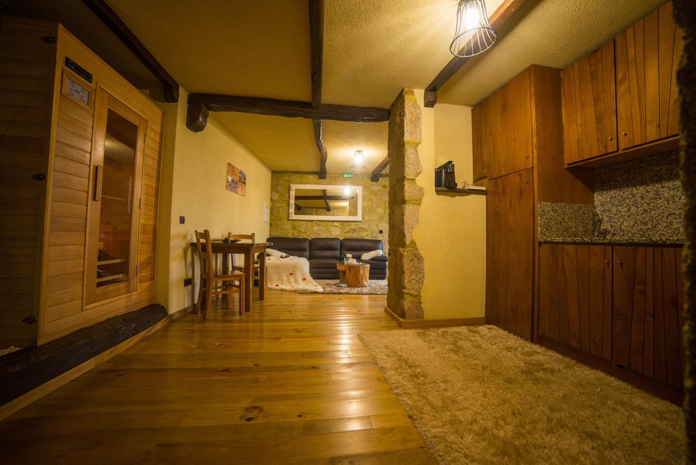 T1 com sauna e jacuzzi privado