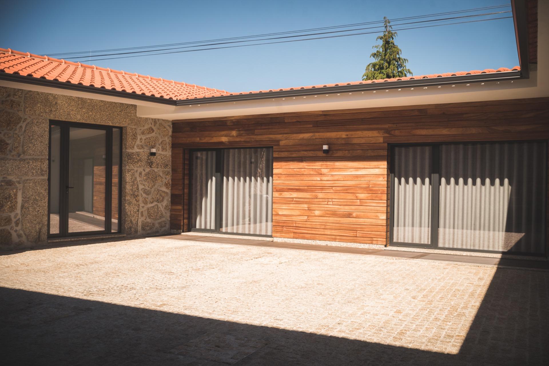Casa com piscina privada T3