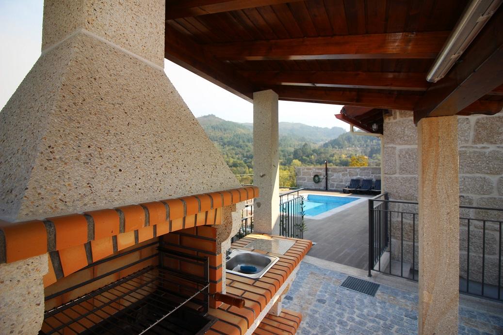 Casa T2 com piscina privada Norte em Terras de Bouro