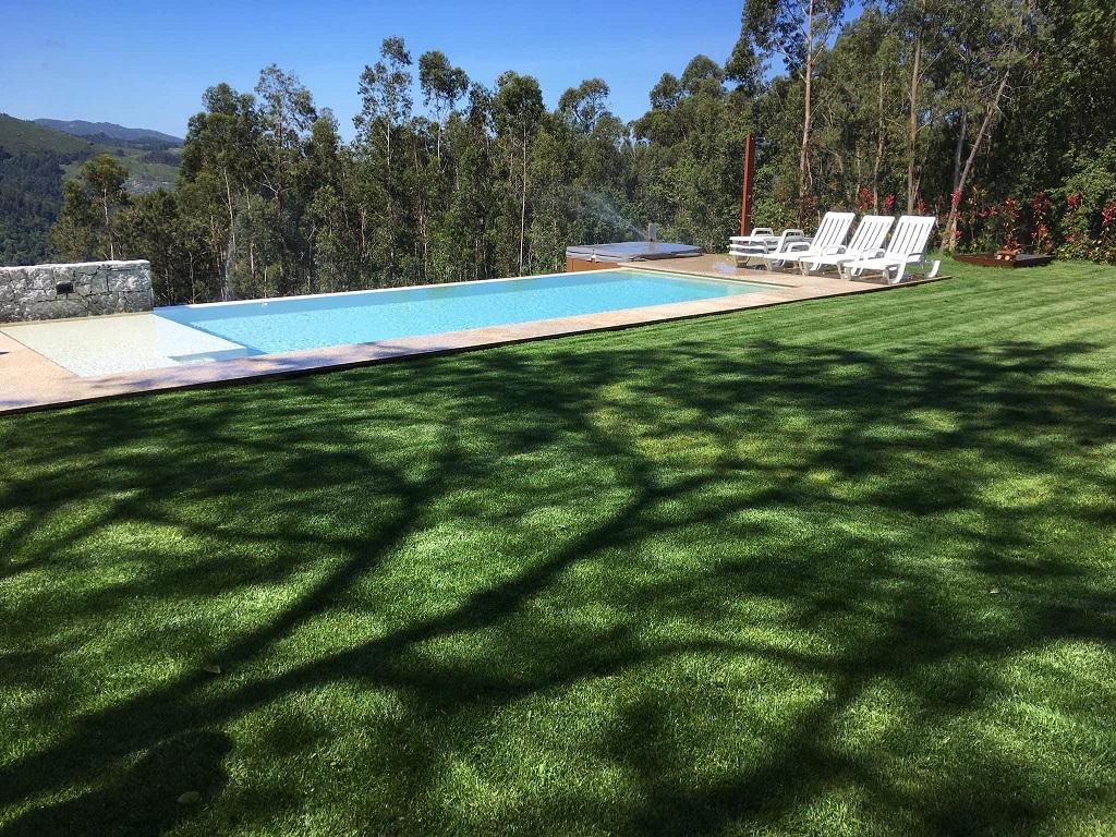 Casa de férias com piscina na serra do Gerês