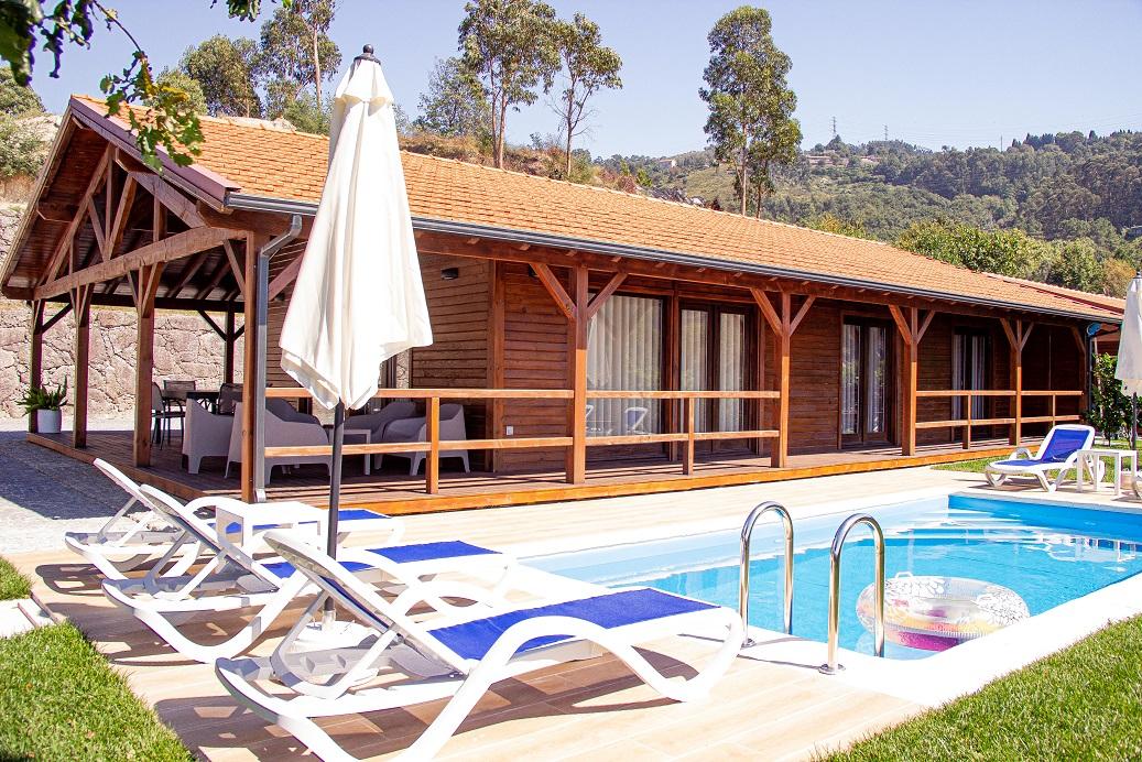 Bungalow T2 com piscina privada na Caniçada